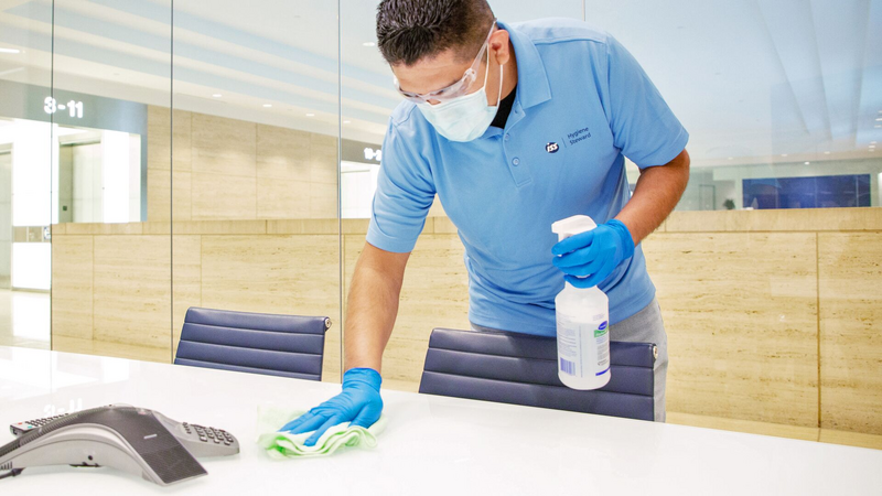 Large-ISS US_Cleaning_0G0A9756