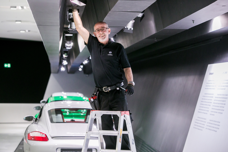DE_2017_PorscheMuseum_Cleaning_June_06