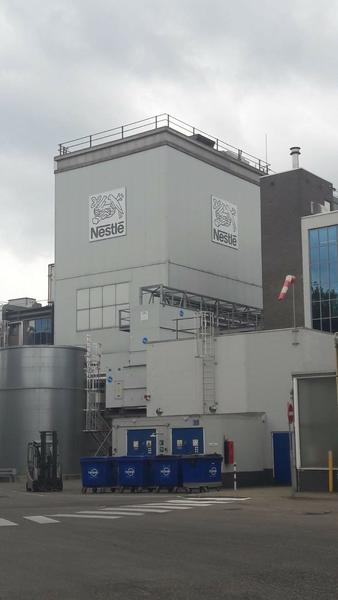 foto fabriek Nestle